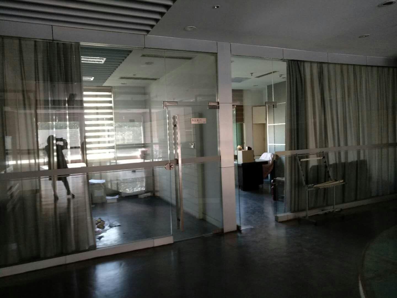 办公室2.jpg